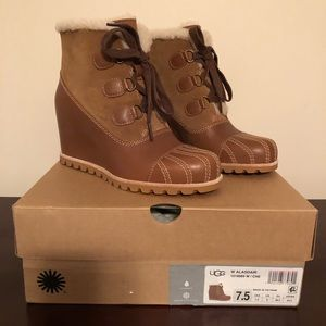 2ad9d2618e7 NWT Ugg Alasdair Wedge Boot NWT